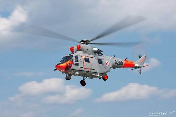 PZL W-3T Sokół z Brygady Lotnictwa Marynarki Wojennej w nowym malowaniu (fot. Michał Wajnchold/air.art.pl)