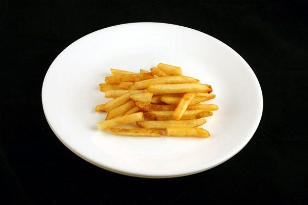 73 g frytek = 200 kalorii