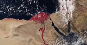 Czerwony Nil w obiektywie satelity - zdjęcie