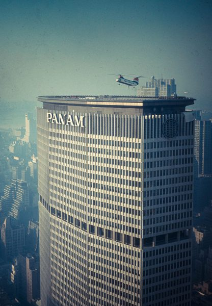 Helikopter lądujący na Pan am building