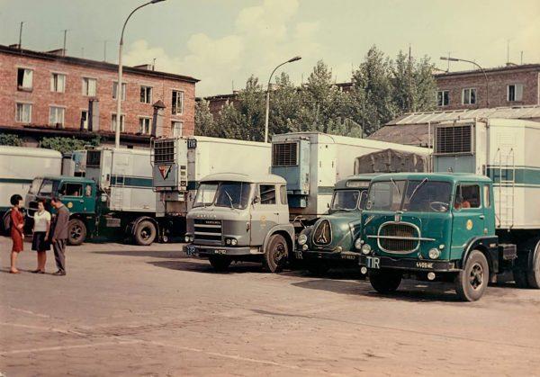 Zajezdnia PMPS Pekaes w Warszawie w latach 60.
