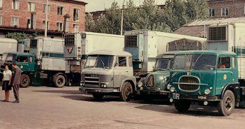 Zajezdnia PMPS Pekaes w Warszawie w latach 60-tych - zdjęcie