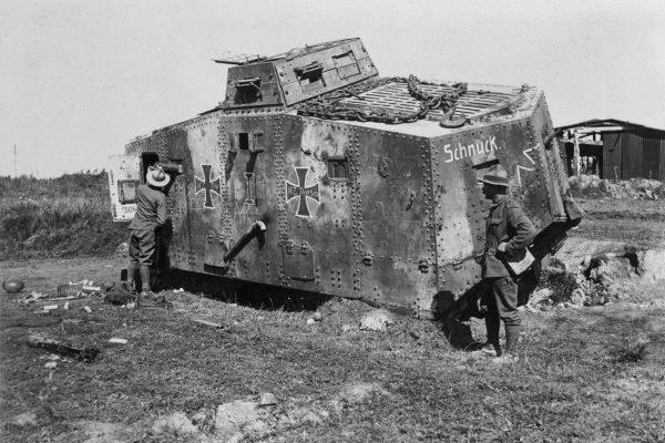 A7V - jedyny niemiecki czołg, który wszedł do produkcji i wziął udział w walce - jego efektywność była jednak bardzo mała