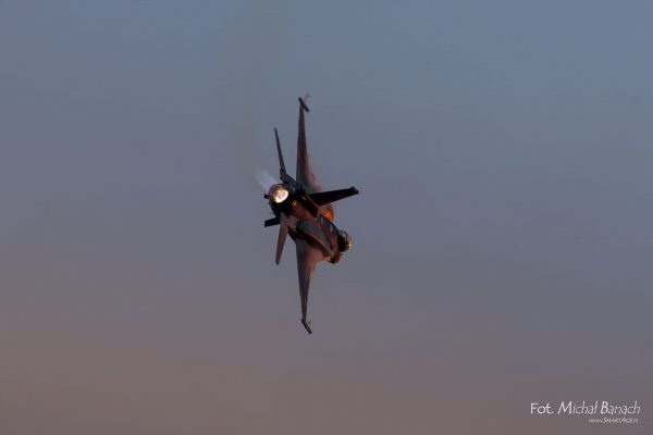 F-16 Tiger Demo Team - Leszno Air Picnic 2016 (fot. Michał Banach)