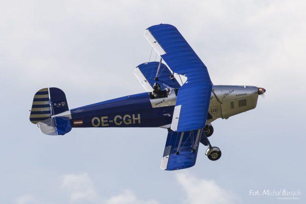Red and Blue Bucker - Leszno Air Picnic 2016 (fot. Michał Banach)