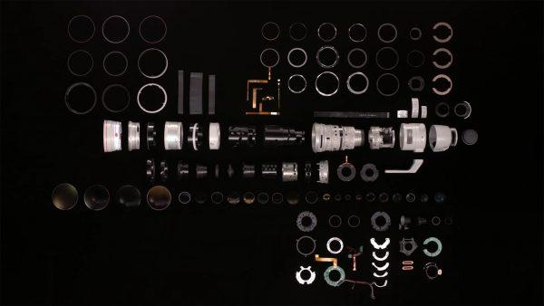 Canon EF 200-400 mm F/4L IS USM rozłożony na drobne części