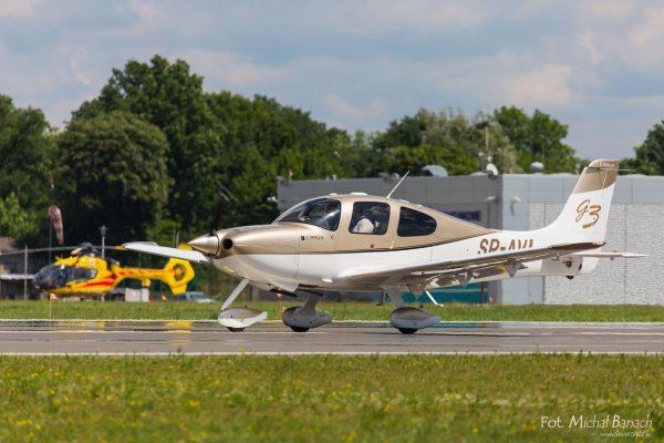Cirrus SR20-G3 - Dzień Spottera – Poznań Lotnisko Ławica (fot. Michał Banach)