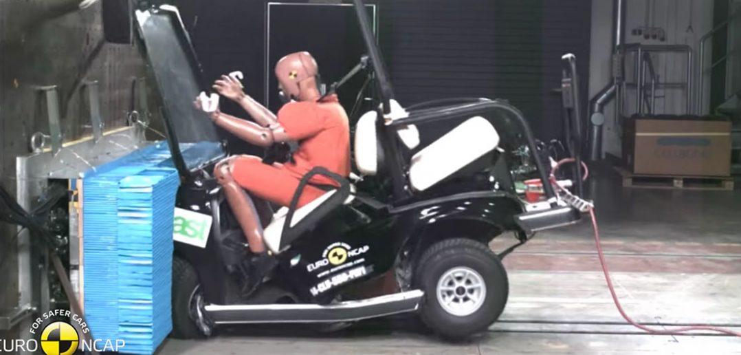 Test zderzeniowy wózka golfowego - film