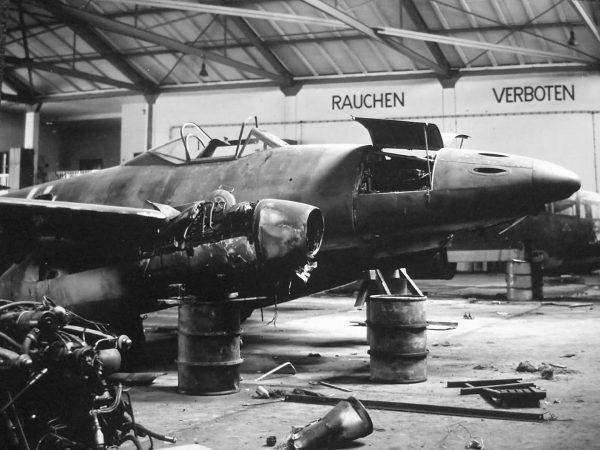 Zniszczony Me 262