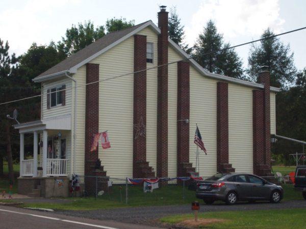 Jeden z ostatnich domów w Centrali (fot. Wikimedia Commons)