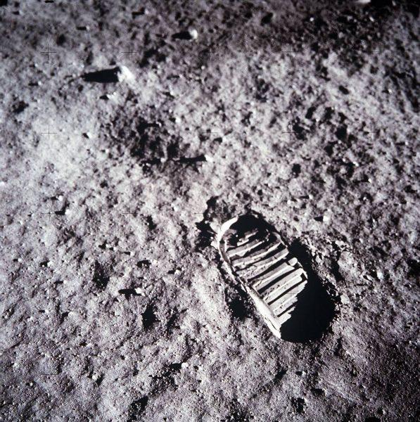 Jedno z najsłynniejszych zdjęć zrobionych w trakcie misji Apollo 11 (fot. NASA)