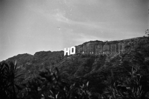 Napis Hollywood podczas rekonstrukcji w latach 70.