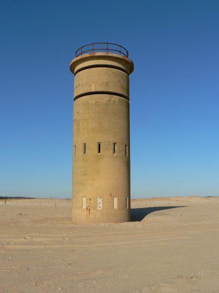 Wieże obserwacyjne na plażach Delaware (fot. Mike Mahaffie)