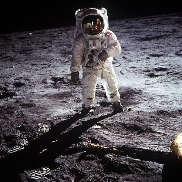 Buzz Aldrin na księżycu (fot. NASA)