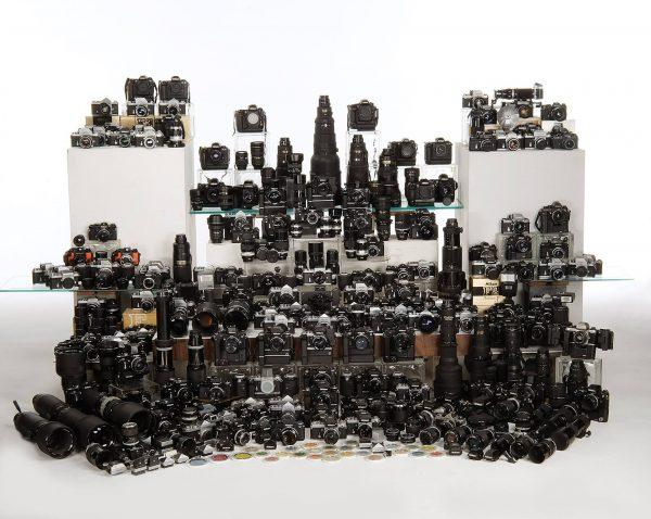 Kolekcja aparatów i obiektywów marki Nikon, należąca do amerykańskiego fotografa Johna S. Payne (fot. John S. Payne)