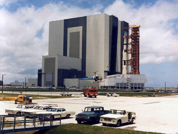 Rakieta Saturn V misji Apollo 11 w drodze na stanowisko startowe (fot. NASA)