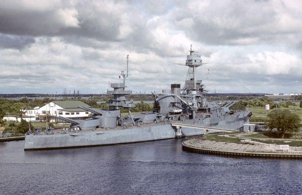 USS Texas w 1979 roku (fot. Karsten Petersen)
