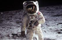 Pierwsze lądowanie na księżycu - Apollo 11