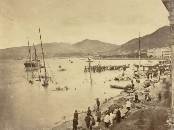 Port w Hong Kongu po uderzeniu tajfunu
