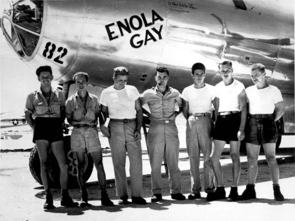 Część załogi bombowca Enola Gay
