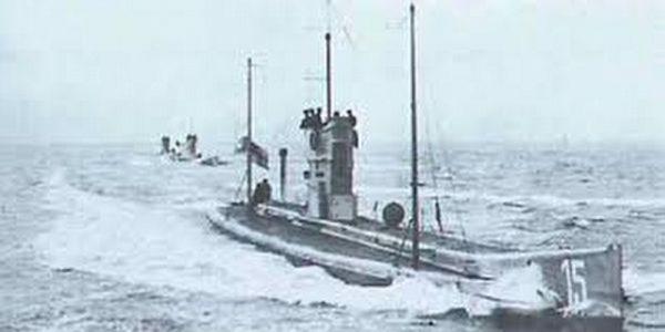 Jedno z nielicznych zdjęć przedstawiających okręt podwodny SM U-15