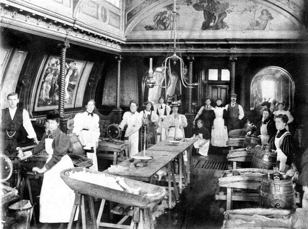 Bessemer Saloon już na lądzie w latach 90-tych XIX wieku