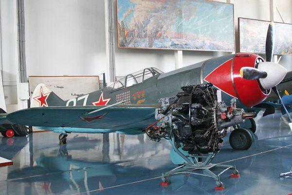 Ławoczkin Ła-7 w malowaniu używanym przez Iwana Kożeduba, najlepszego rosyjskiego pilota II wojny światowej
