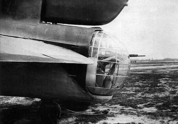 Ogonowe stanowisko strzeleckie bombowca Petlakow Pe-8/TB-7