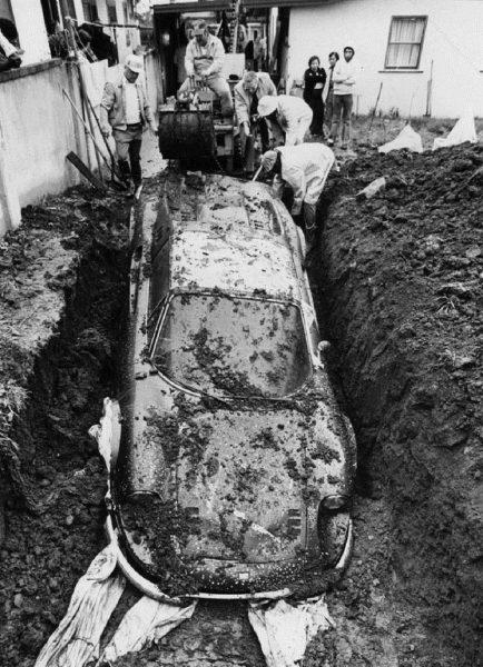 Ferrari Dino 246 GTS odkopane w Los Angeles w 1978 roku