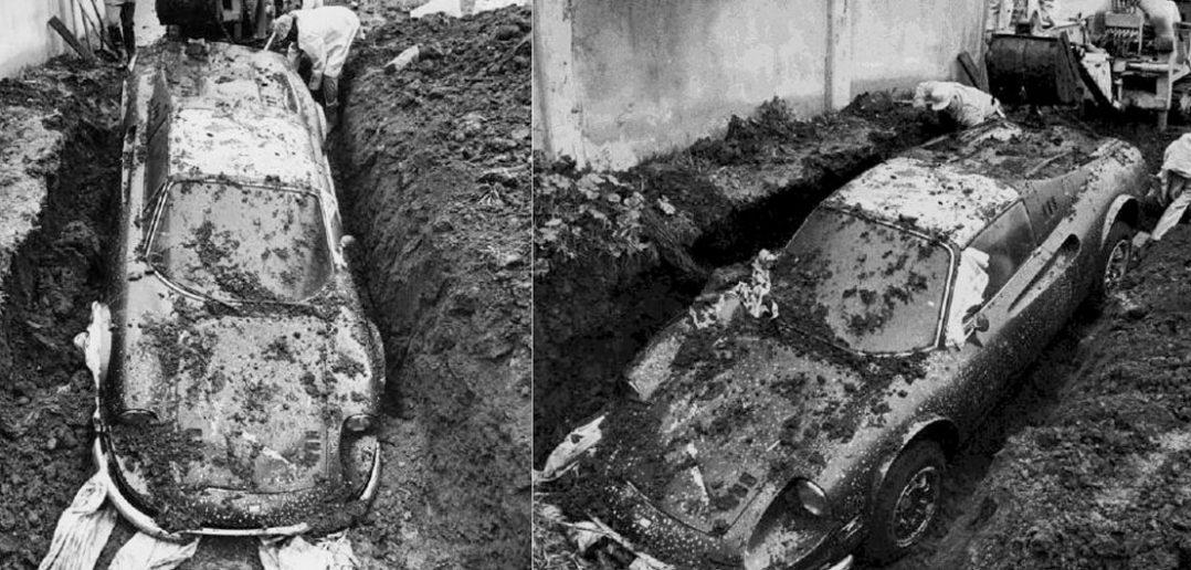 Ferrari Dino 246 GTS zakopane na podwórku w Los Angeles