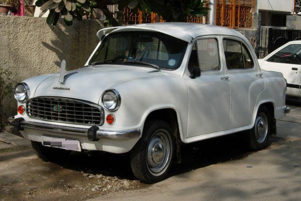 Hindustan Ambassador (fot. reddit.com)