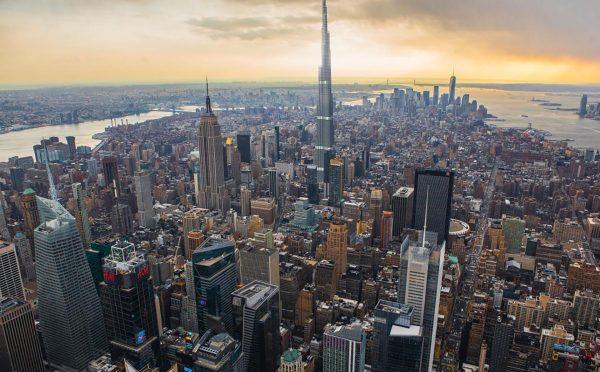 Burdż Chalifa na tle panoramy Nowego Jorku. Jest to obecnie najwyższy wieżowiec na świecie - 829 m wysokości (fot. A Quick Perspective)