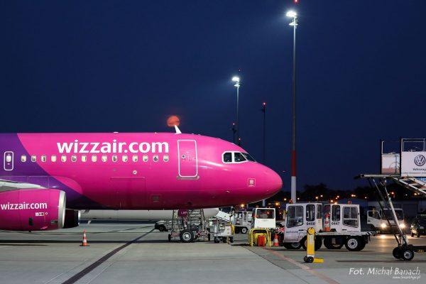 WizzAir Airbus A320-232 - Dzień Spottera – Poznań Lotnisko Ławica (fot. Michał Banach)