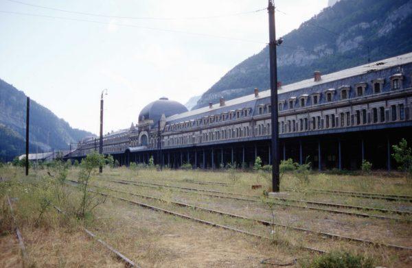 Dworzec kolejowy w Canfranc