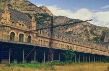Opuszczony międzynarodowy dworzec kolejowy w Canfranc
