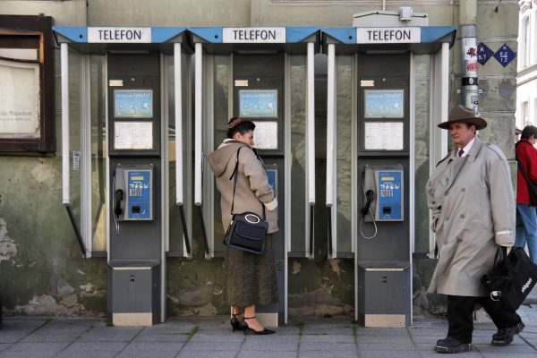 Współczesne budki telefoniczne powoli odchodzące do lamusa