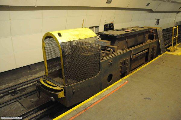 Kolejki wykorzystywane przez Mail Rail (fot. alondoninheritance.com)