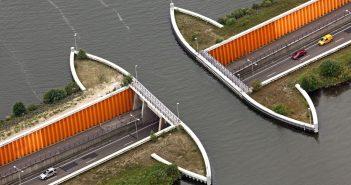 Aquaduct Veluwemeer na jeziorze Veluwemeer
