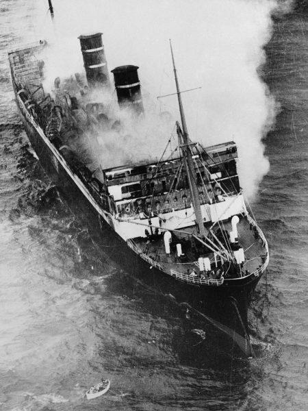 SS Morro Castle ogarnięty płomieniami