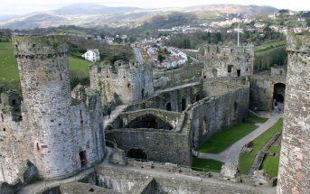 Średniowieczny zamek Conwy w Walii
