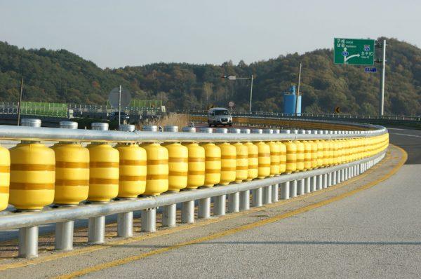 Safety Roller - bariery przy drogach z rolkami