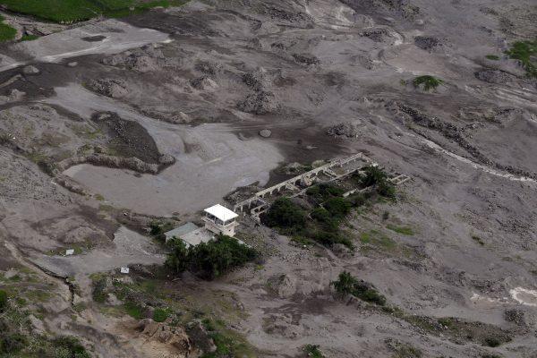 Zniszczone lotnisko Bramble - zdjęcie z 2009 roku (fot. Brian Wotherspoon)