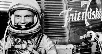 John Glenn - pierwszy Amerykanin na orbicie (1921-2016)