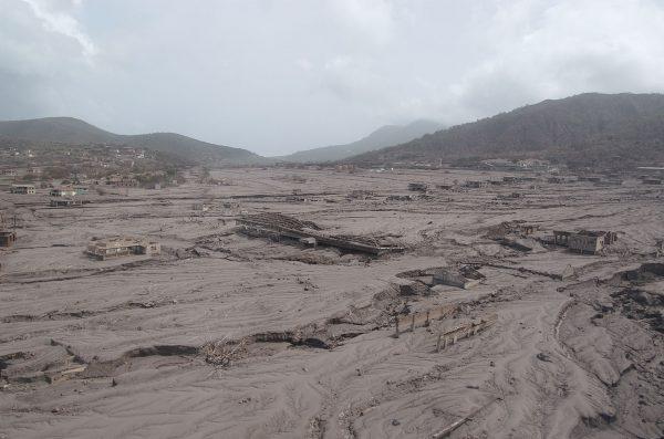 Zniszczona część wyspy - zdjęcia z 2006 roku (fot. Derek Yu)