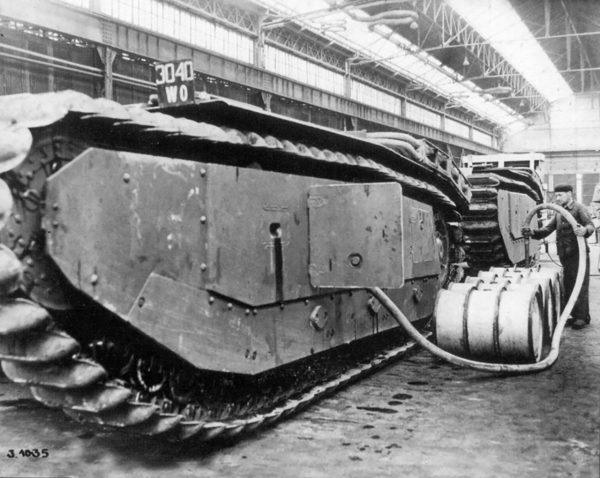 Nieukończony kadłub czołgu ARL-44