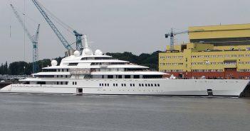 Azzam - największy prywatny jacht na świecie