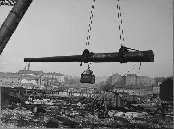 Jeden z pancerników typu Gangut podczas budowy