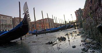 Bardzo niski poziom wody w Wenecji