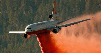 Odrzutowy samolot gaśniczy DC-10