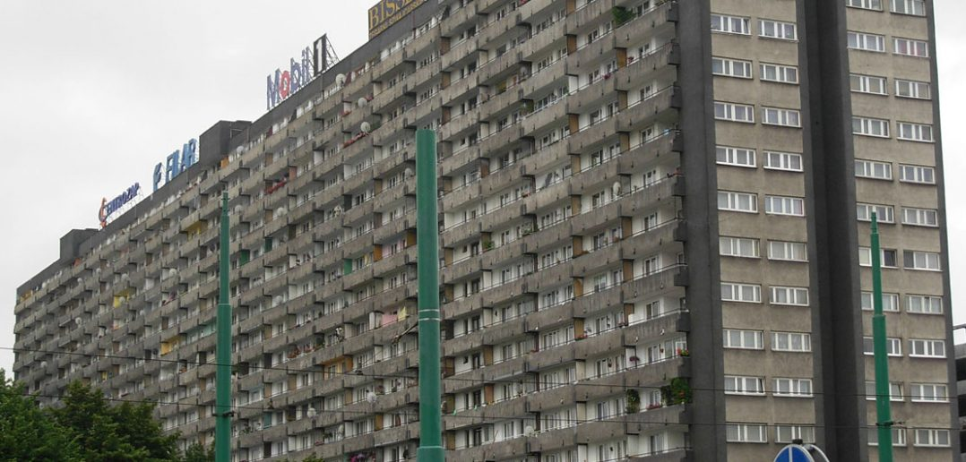Superjednostka - olbrzymi blok w Katowicach